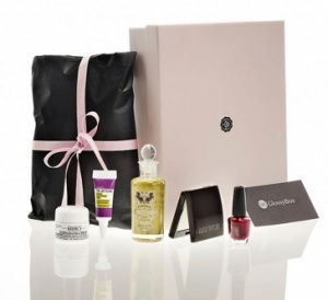 Photo courtesy of www.lolastarhearts.comGlossybox strives to create a special beauty experience.