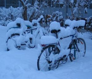 Bicycles_snow_Graz_2005_original